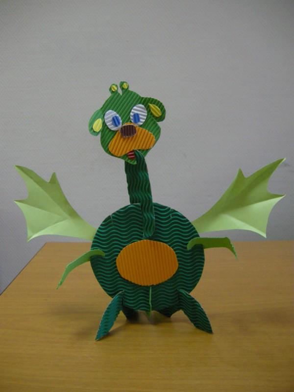 Курсы посвящены изготовлению игрушек из различных бумажных материалов в различных техниках бумажного творчества
